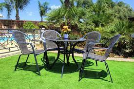 התאמת ריהוט הגן לגודל הגינה / המרפסת