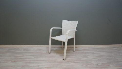 כסא ראטן דגם קרלוס לבן