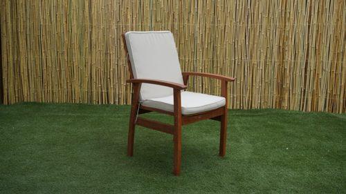 כסא עץ אלבמה