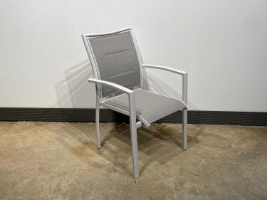 כסא אגם לבן