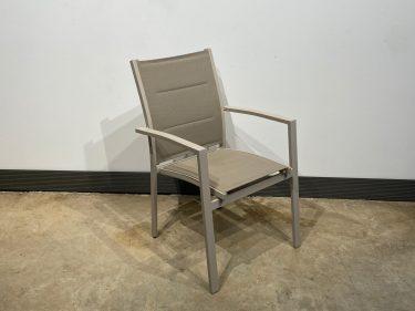 כסא אגם גב פתוח צבע בז'