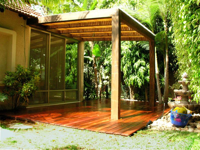 בניית פרגולות לשמירה על ריהוט הגינה