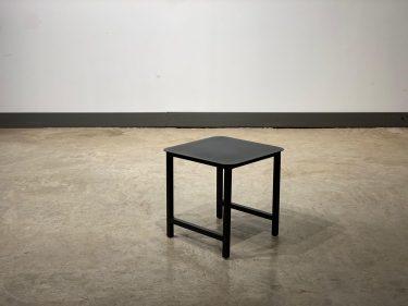שולחן צד בריז אפור פחם
